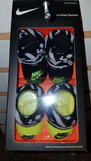 Baby Nike bootie set size newborn 0-6 months for Sale in San Antonio, TX