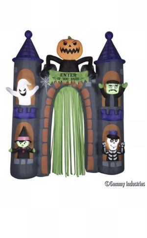Halloween Haunted Airblown Castle Archway 9 Ft Tall NIB Lights Up Gemmy for Sale in West New York, NJ