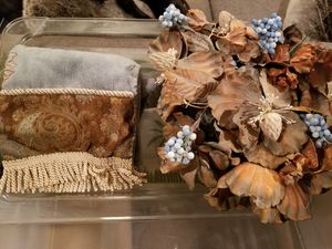 Fancy brown blue hand towel or flower arrangement pot for Sale in Las Vegas, NV
