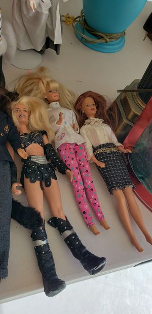 Old Barbies ALL FOR $20 for Sale in Maricopa, AZ
