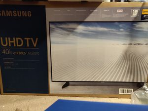 4k UHD Samsung 40 inch smart TV new for Sale in Mansfield, TX