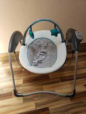 Baby swing for Sale in Chicago, IL