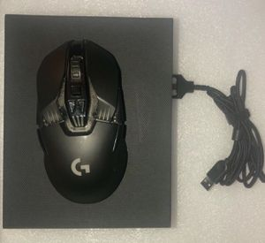 Logitech G900 Chaos Spectrum Professional Grade Wired/wireless Gaming Mouse for Sale in Houston, TX