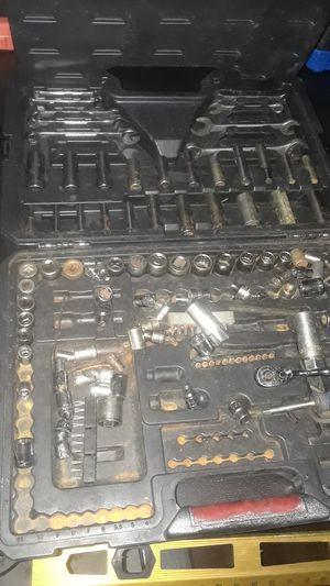 Craftsman tool box auto mechanic set wrenchs sockets for Sale in Fort Lauderdale, FL