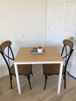 Small dining table with 2 chairs for Sale in Peoria, AZ