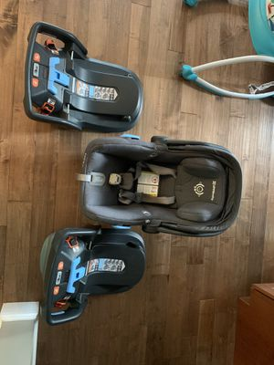 Uppababy Car Seat with two bases - NICE! for Sale in Grafton, MA