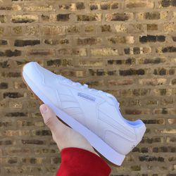 Reebok White Classic Leather Harma Run size 10 for Sale in Lyons,  IL