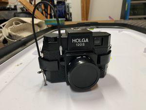 Holga 120 Medium Format lo-fi Point & Shoot Film Camera. for Sale in Grayslake, IL