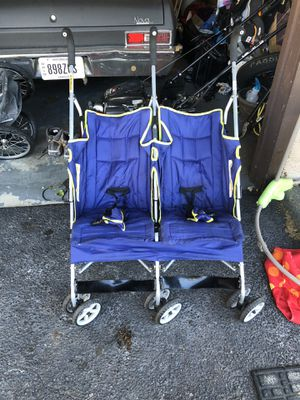 Double stroller for Sale in Columbus, OH