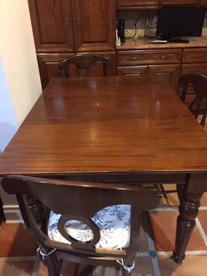 Kitchen Table and 4 Chairs for Sale in Coral Gables, FL