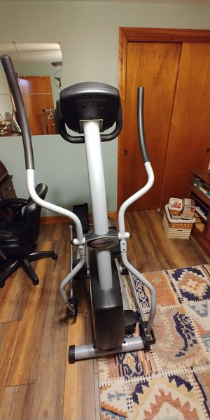 Schwinn 418 Elliptical Machine for Sale in Pfafftown, NC
