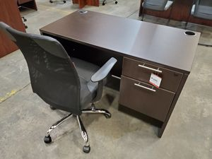 Student desk. 24 by 48. NEW. 10 year warranty. for Sale in Phoenix, AZ
