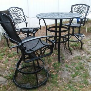 High table with 3 swivel high chairs for Sale in Orlando, FL