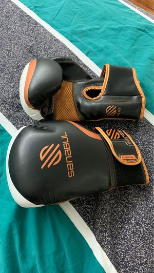 boxing gloves for Sale in Fort Lauderdale, FL