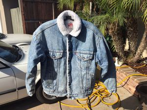 Vintage Levi's denim jacket trucker Sherpa lined cold weather USA medium for Sale in Norwalk, CA