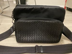 Bottega Veneta Messenger Bag for men for Sale in Los Angeles, CA
