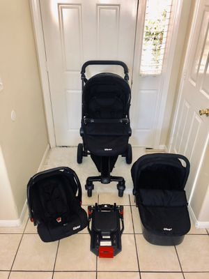 STROLLER SET BASSINET, CAR SEAT WITH BASE AND ADAPTERS for Sale in Riverside, CA