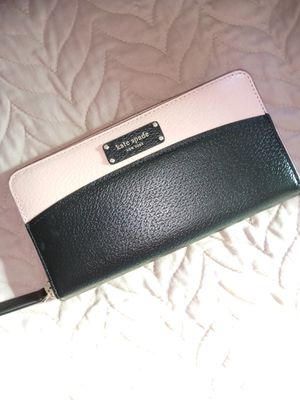 Kate Spade new wallet for Sale in Lynwood, CA