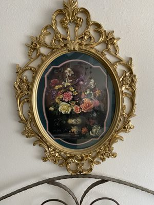 Retro Hollywood Regency - look Floral Artwork Gold Frame for Sale in Chino, CA