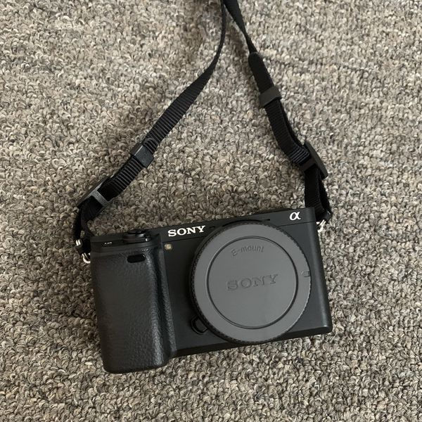Black Sony A6300 Body (FREE EXTR BATTERY)