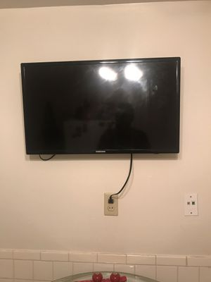 32 inch Tv for Sale in Florissant, MO