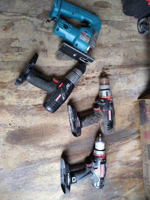 Craftsman drills uno regular y dos hammer drill...tambien una caladora makita.. no pilas no cargador... for Sale in Harlingen, TX