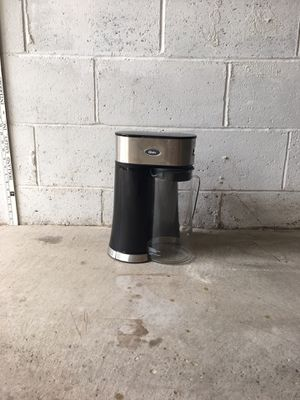Oster iced coffee maker for Sale in Bridgeville, PA