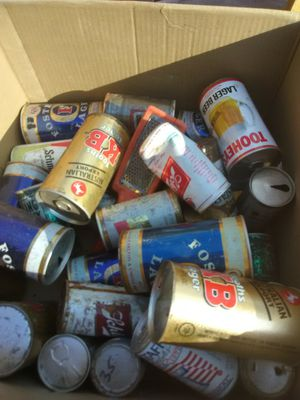 Ventage box of antique beer cans for Sale in Obetz, OH