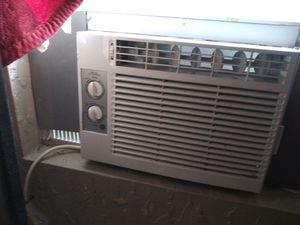 Window ac unit 5100 btu for Sale in CHAMPIONS GT, FL