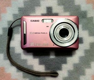 Casio EXILIM EX-Z29 Digital Camera (Light Pink) for Sale in Statesville, NC
