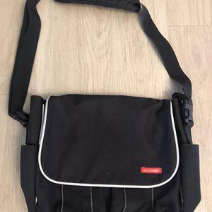 Like New Black Skip Hop Messenger Diaper Bag for Sale in Los Alamitos, CA
