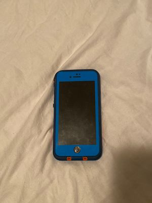iPhone 7s w/ Case for Sale in Chambersburg, PA