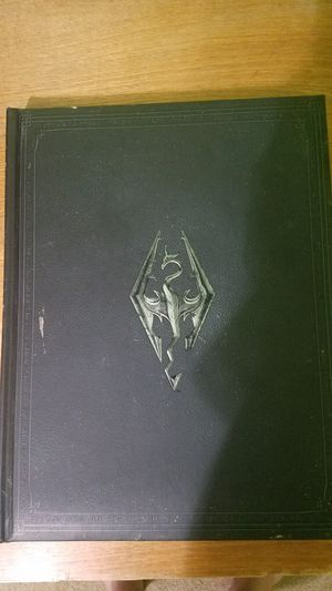 Skyrim Collector's Edition Artbook for Sale in Dublin, GA