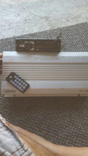 Estereo y amplificador for Sale in San Jose, CA