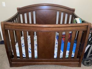 Crib/changing table set for Sale in Tempe, AZ