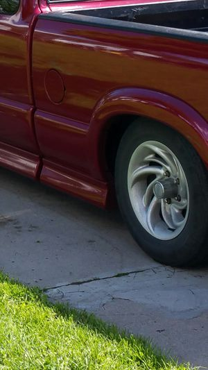 "2002 s10 Chevrolet rims 15"" for Sale in Albany, NY"