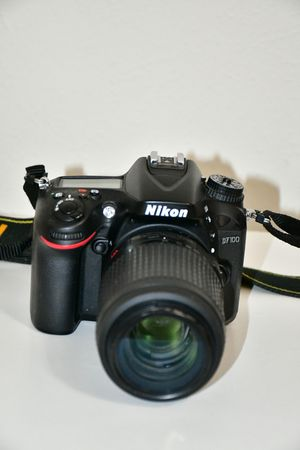 Nikon d7100 DSLR with Nikon 55-200mm VR lens for Sale in Dallas, TX