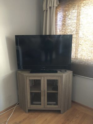 Corner tv stand for Sale in Fremont, CA