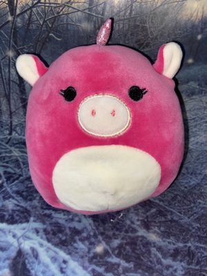 "Squishmallow Zoe Pink unicorn 6"" plush. for Sale in Bellflower, CA"