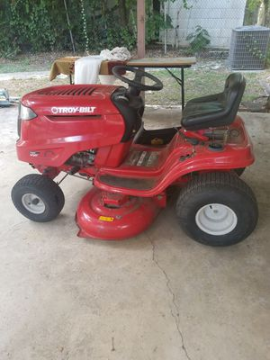 "42"" Troy bilt Tractor practily brand new selling because Looking for a small one Good Condition Like for Sale in San Antonio, TX"