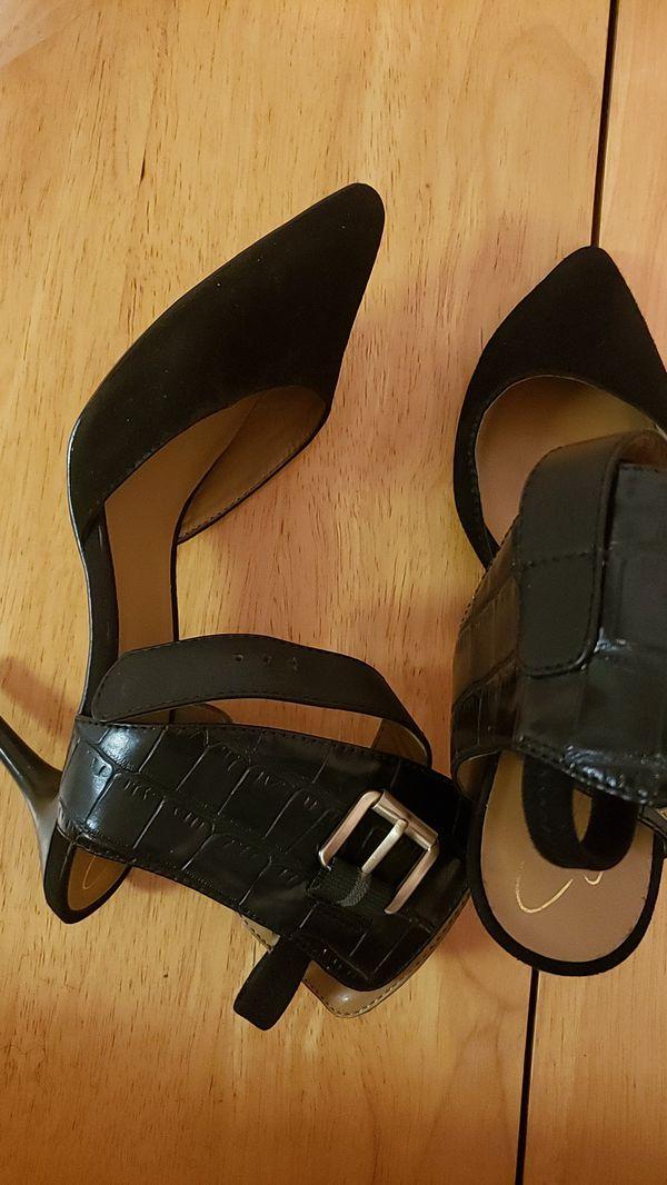 Womens pumps size 8