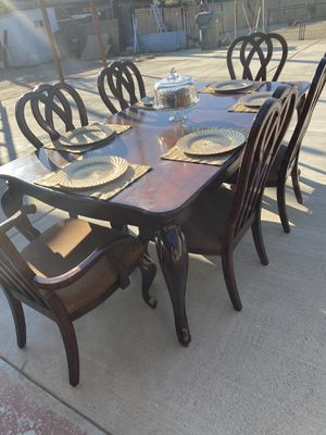 dining table 6 chairs for Sale in Hemet, CA