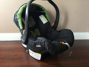 Chicco baby car seat for Sale in Tacoma, WA