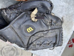 Left handed baseball glove about 11 inches for Sale in Cerritos, CA