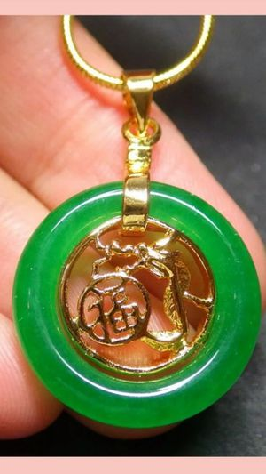Shipping Lucky Yellow Gold Plated Dragon Fortune Emerald Green Jade Circle Pendant Necklace for Sale in Richmond, CA