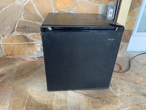 Haier Portable Refrigerator for Sale in Fort Lauderdale, FL