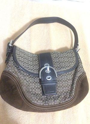 Coach shoulder bag for Sale in Belmont, MA