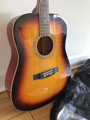 Beginner Guitar w/Case extra strings for Sale in Los Angeles, CA