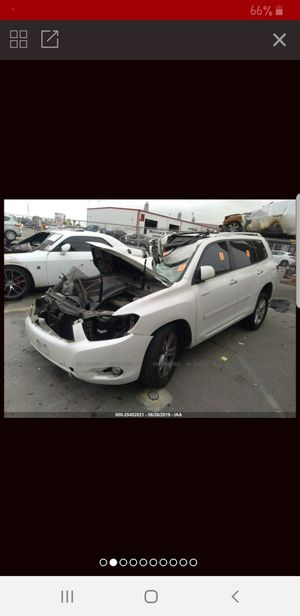 Parting out 2008 Toyota Highlander Limited for Sale in Portland, OR