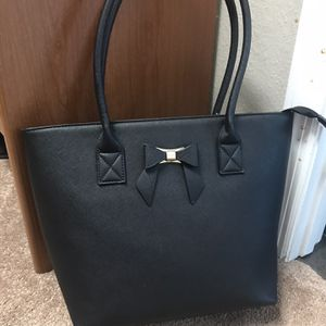 Large Tote for Sale in Winter Garden, FL